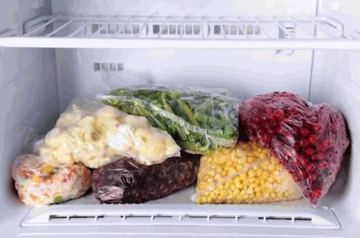 Скільки можна зберігати продукти в морозилці – список
