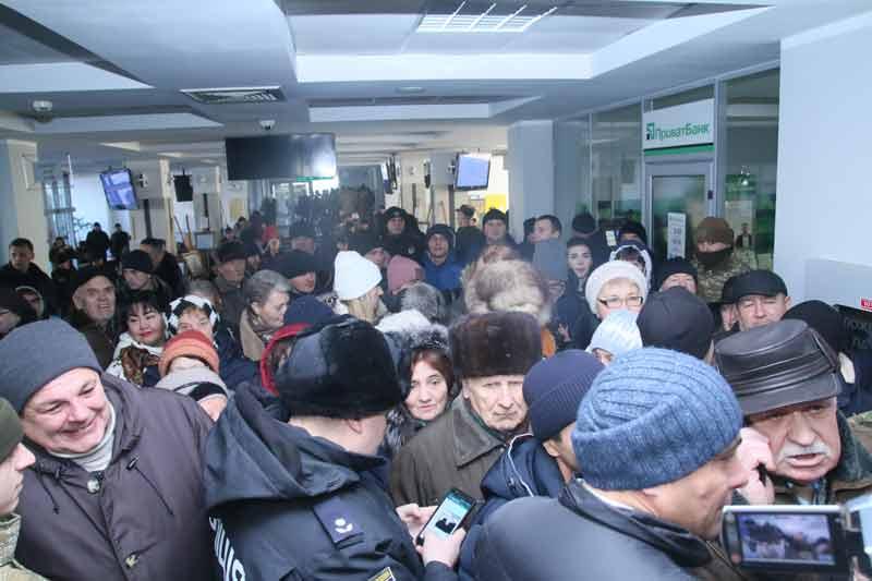 Хто з вінничан штурмував сесію ВМР із платіжками і «Правом Москви»? (відео)