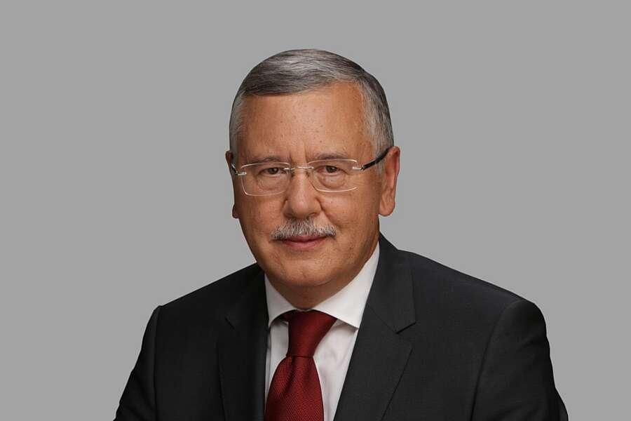 Анатолій Гриценко: На порозі Нового року ми традиційно поринаємо у недавнє минуле, згадуємо те, що найбільше закарбувалося в пам'яті…