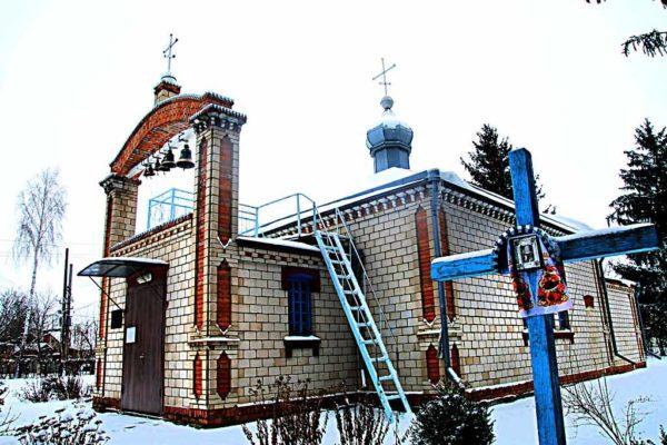 Громада підпорядкувала храм у Комарові Православній Церкві України (відео)