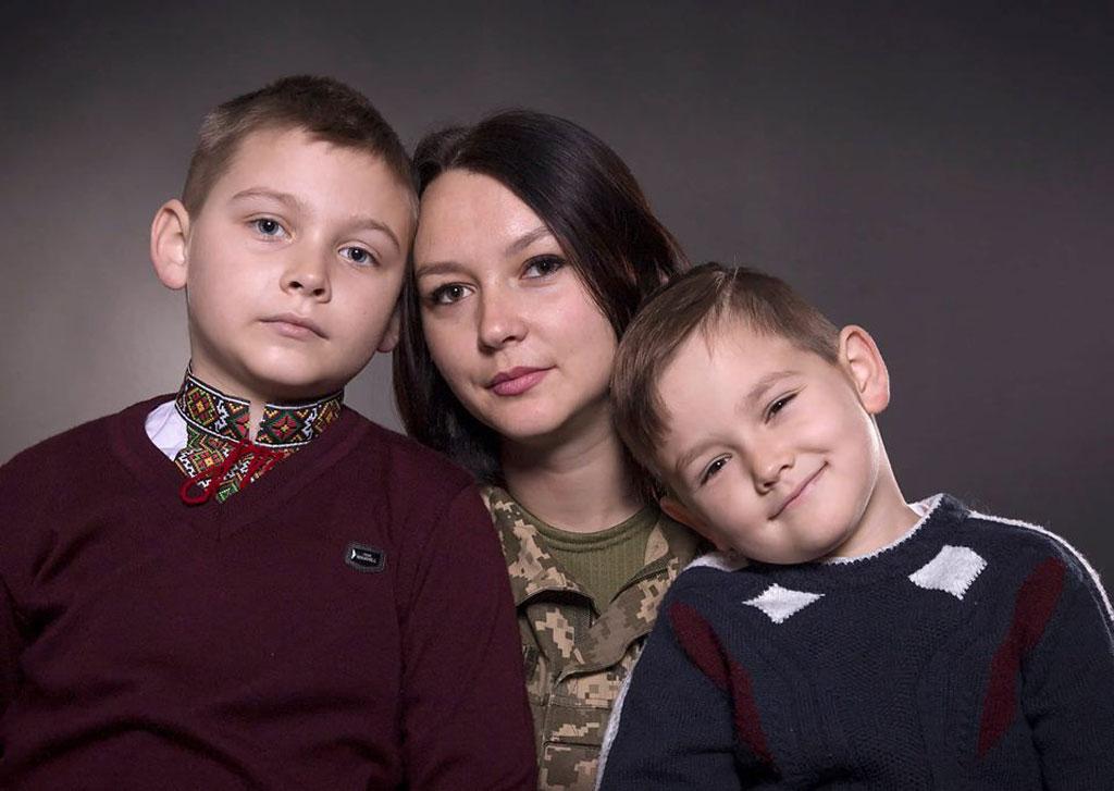 Вдова козятинського десантника покинула роботу в школі і стала військовою