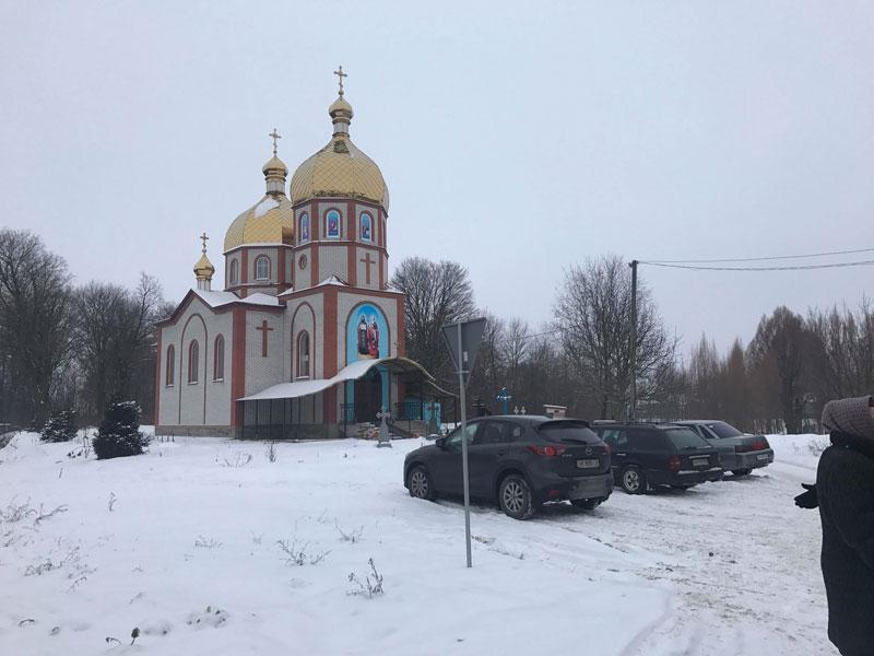 У Лукашівці скандал через перехід до ПЦУ. Прихильники МП зірвали збори і провели своє голосування у храмі?
