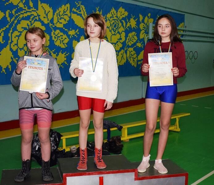 Найсильніших дівчат та хлопців нагородили у Хмільнику