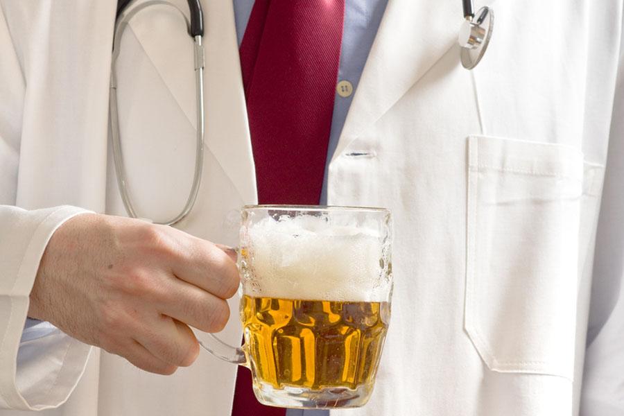 Пиво з медом – кращі ліки від хворого горла