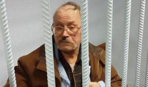 Екс-прокурор, який відправив за грати 72-річного майданівця з Ладижина, помер