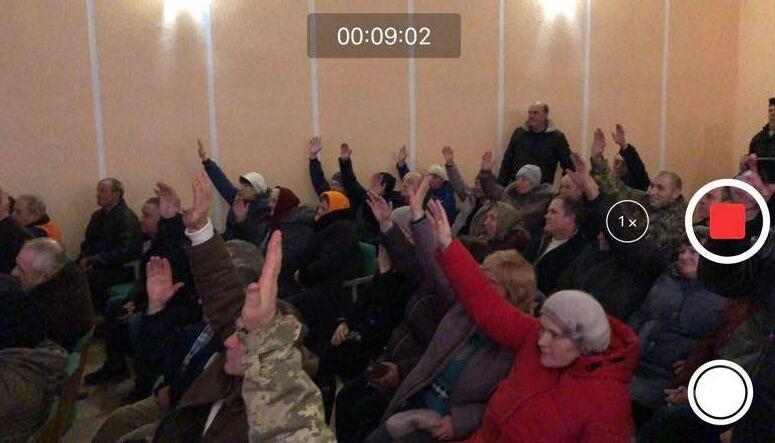 Колоденка перешла в ПЦУ разом із священником!На цих зборах в Томашпільському районі помер 60-літній чоловік (відео)
