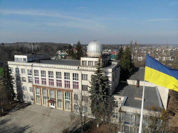 Палац дітей у Вінниці відремонтують і утеплять. Минулого року тут відкрили новий стадіон (відео)