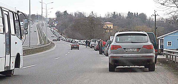 218000 автомобілів за 13,5 мільярда розмитнили українці до 22 лютого (відео)