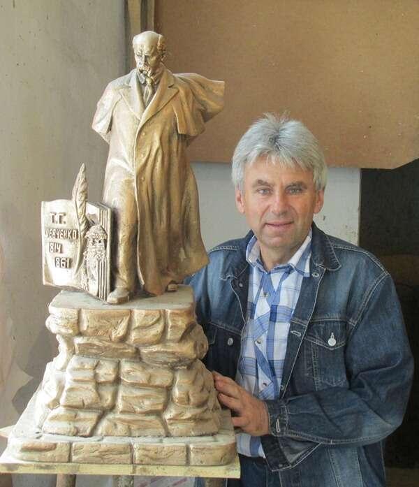 Скульптора із Хмільника відзначили орденом