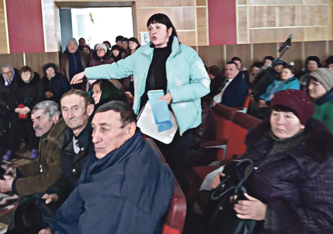 Керівнику Липовецької лікарні висловили недовіру – Тут з вини лікарів померло 4 пацієнти, – підтвердила Л.Грабович і стала на бік жителів району