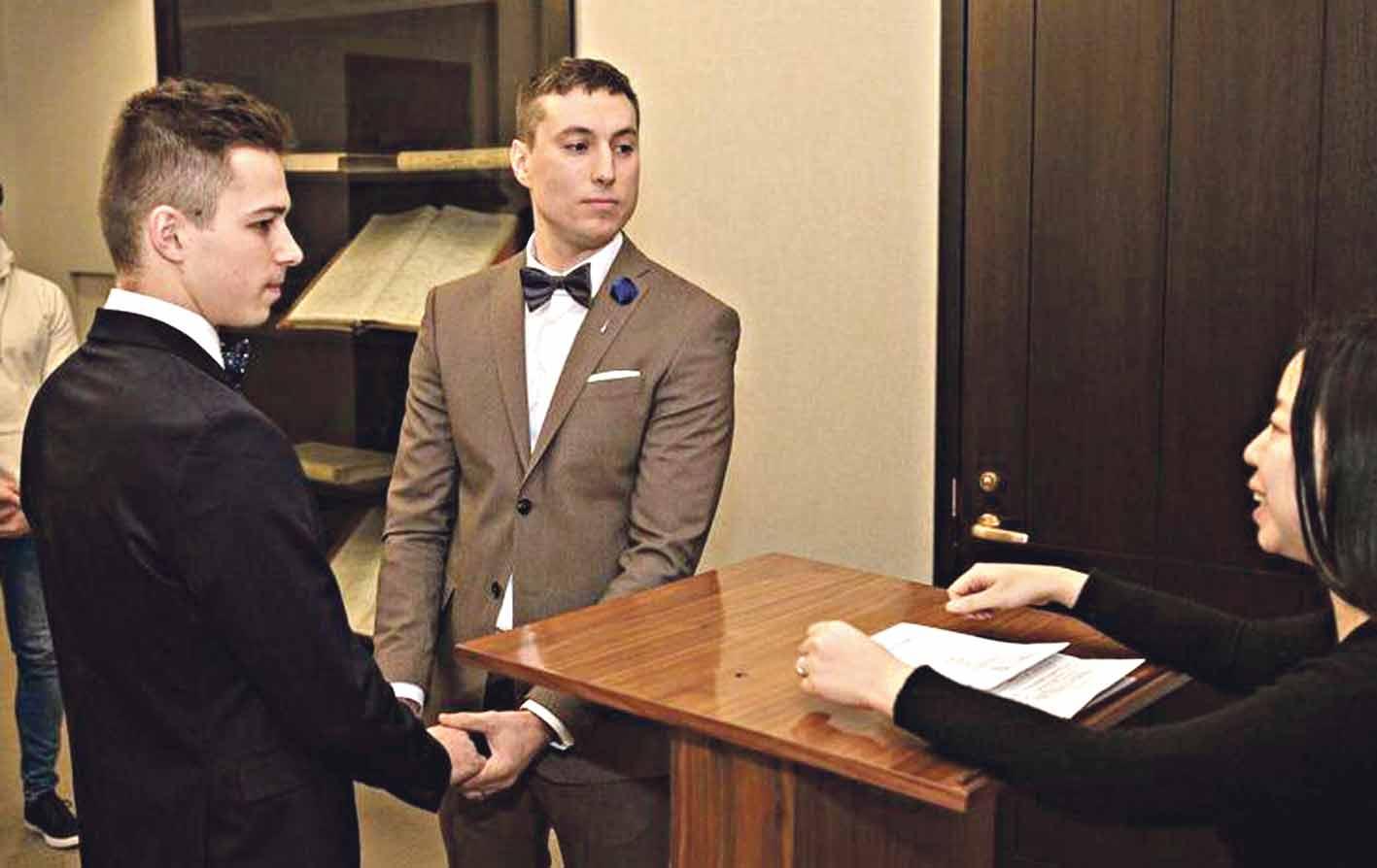 Два геї одружилися – вінничанин та житель США