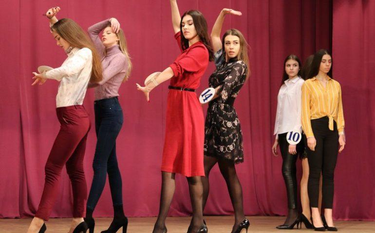 """Співачка Alyosha виступить на конкурсі """"Міс Вінниця 2019"""""""