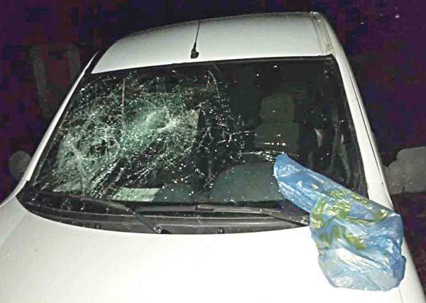 Стрітення під зачиненим храмом і побитий автомобіль священика ПЦУ. Хто мстив священику?