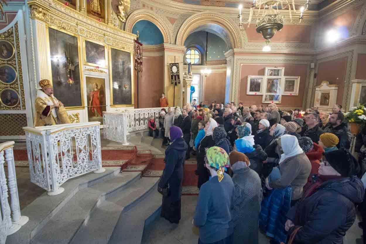Про те, чого ніколи не розповідають у російській церкві