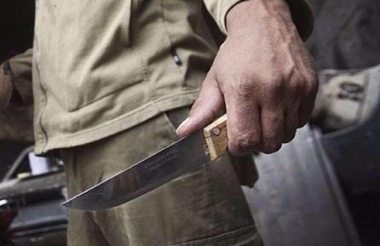 У Крижополі чоловік дивом залишився живим після ножового поранення