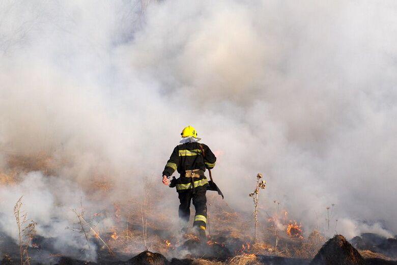 В суботу горів Сабарів…Вогонь гасили ряднами, бо пожежну не пустили через греблю