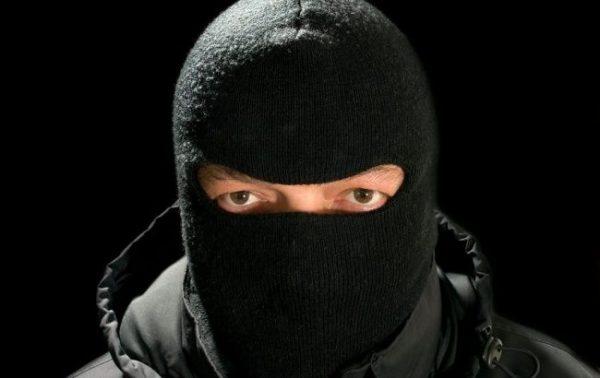 Злодії в масках пограбували шаргородчан