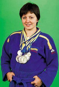 Спортсменка Неллі має десятки медалей та готує поліцейських