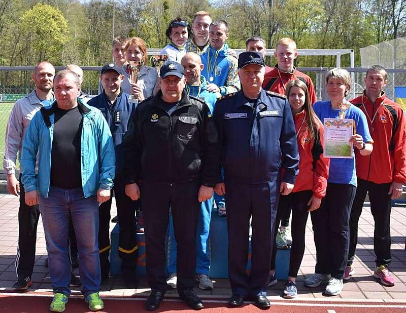 Вінницькі рятувальники третій рік поспіль перемогли на чемпіонаті з поліатлону