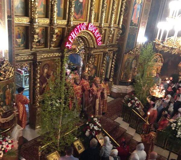 Вперше у Вінниці в кафедральному Соборі ПЦУ приймали Благодатний Вогонь із Єрусалиму