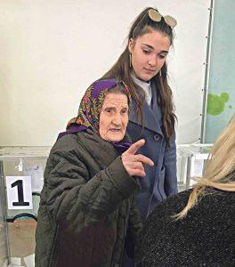 Голосувала найстарша вінничанка – 101-річна Валентина Каракай