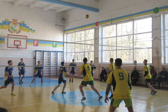 Змагання з волейболу влаштували між собою студенти