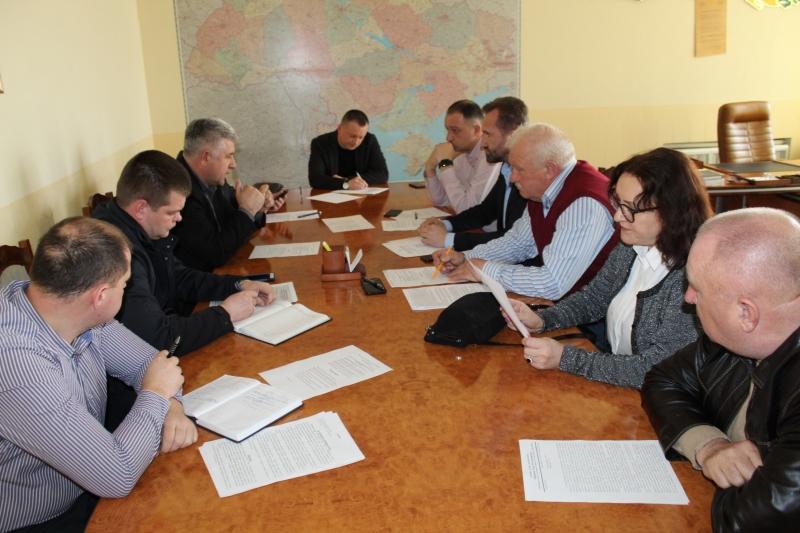 Про автобуси-гроби та корупції у департаментах Вінницької ОДА порушували питання депутати на міжфракційному засіданні «Антикорупційного руху»