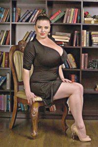 Вінничанка із 11 розміром бюста стала героїнею серіалу про лікарів