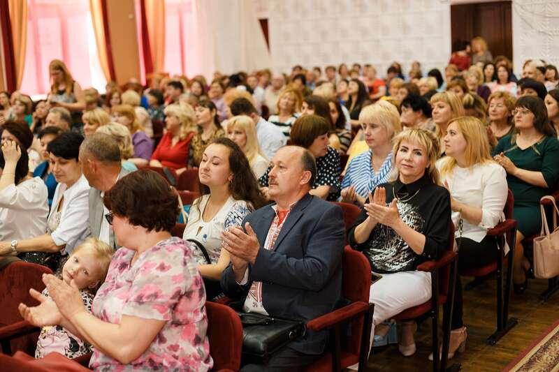 Хто серед переможців конкурсу педагогів «Подільська Вікторія»?