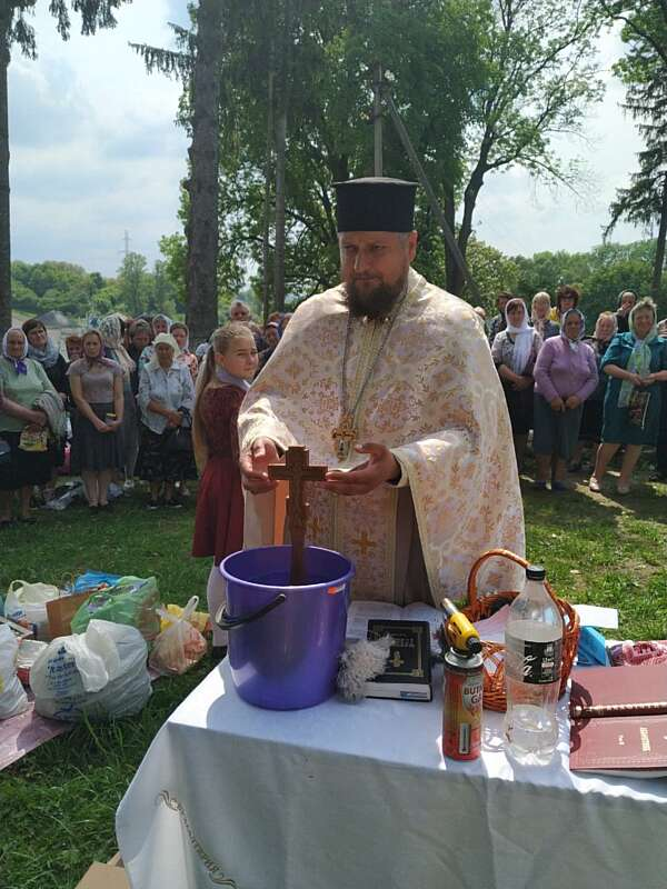 Парафіяни з Луки-Мелешківської зібрали допомогу для інтернату