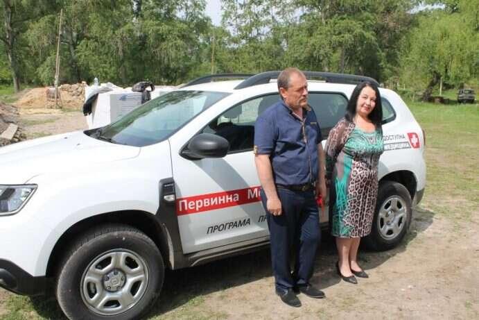 Сільські медики на Ямпільщині отримали новий автомобіль