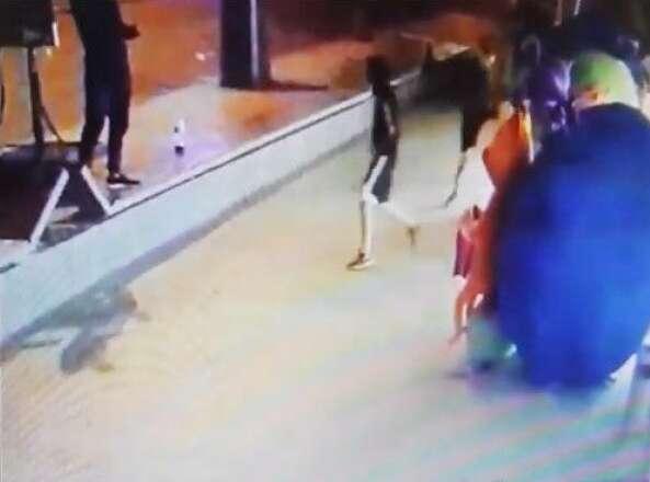 9-х вандалів, що громили фігури під «Рошеном», шукає поліція Вінниці (відео)