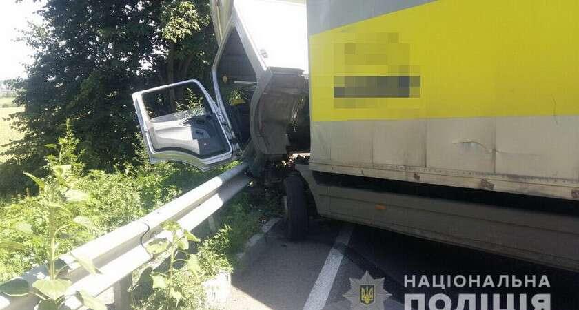 Автобус розбився біля Кароліна. Водій і двоє пасажирів у лікарні