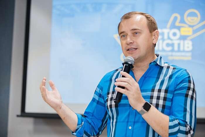Алекс Ліссітса про ковбасу без м'яса, роботів у селі та ринок землі в Україні (відео)