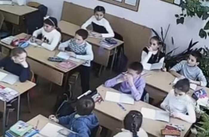 Відеокамери у садочках та школах вимагає вінничанка