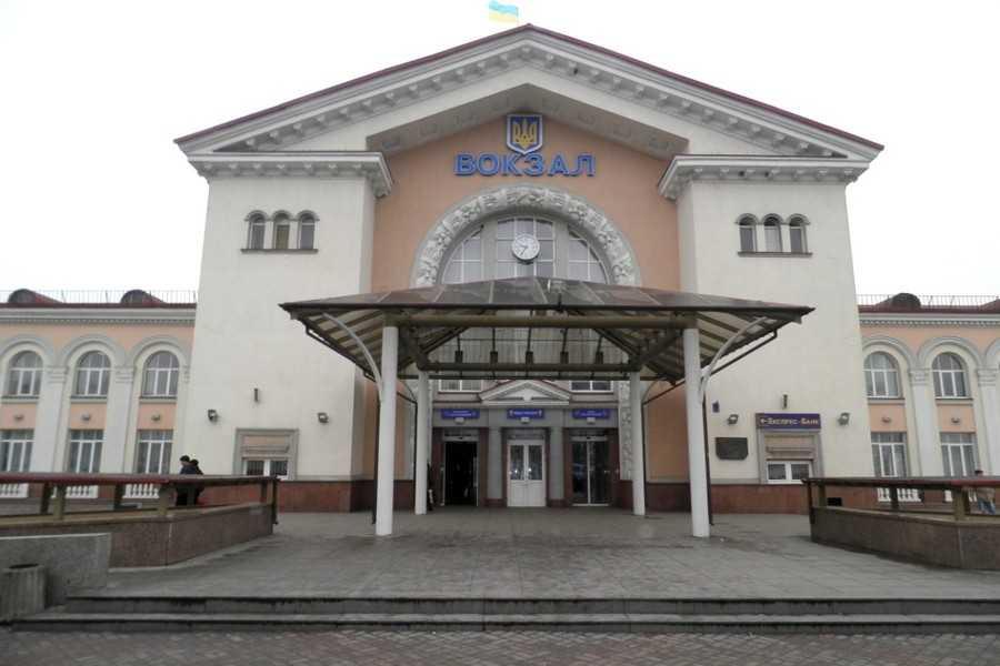 На залізничному вокзалі пограбували пасажира… в туалеті.