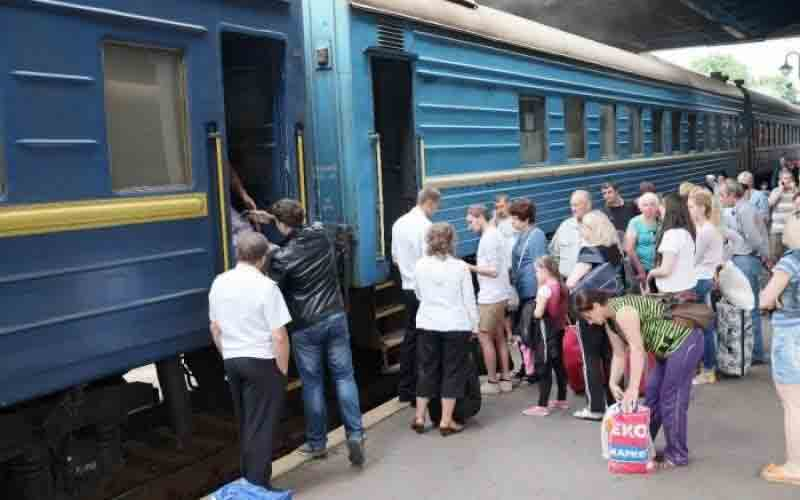 Через 32 роки ліквідували рейс «Жмеринка-Москва». Що про це думають наші читачі?
