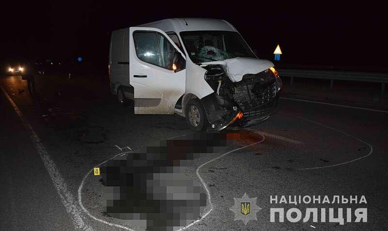 У Калинівці під колесами авто загинув молодий чоловік