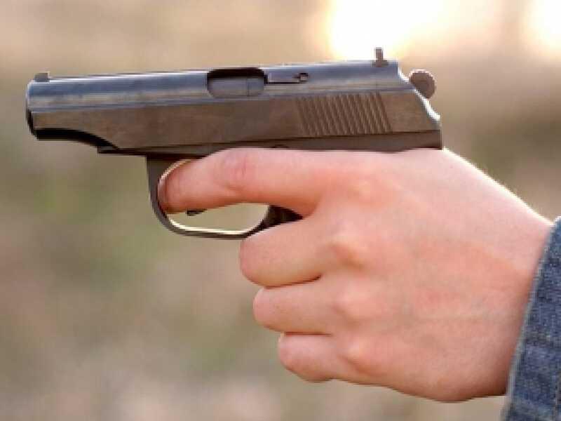Депутат із пістолетом в Хмільнику напав на місцевого чоловіка