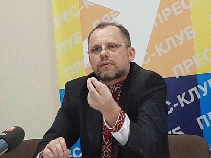 Скандал на 17-му окрузі на Вінниччині. У кандидата від «Слуги Народу» знайшли кредитні борги і закриту через суд «задавнену» справу (відео)