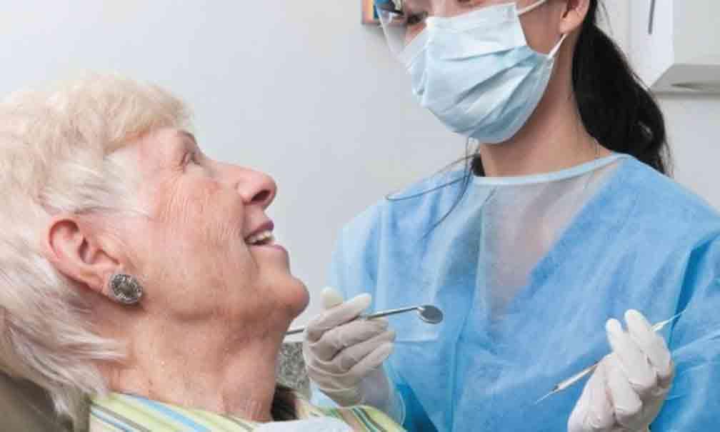 «Друзі надіялись пролікувати зуби на халяву»