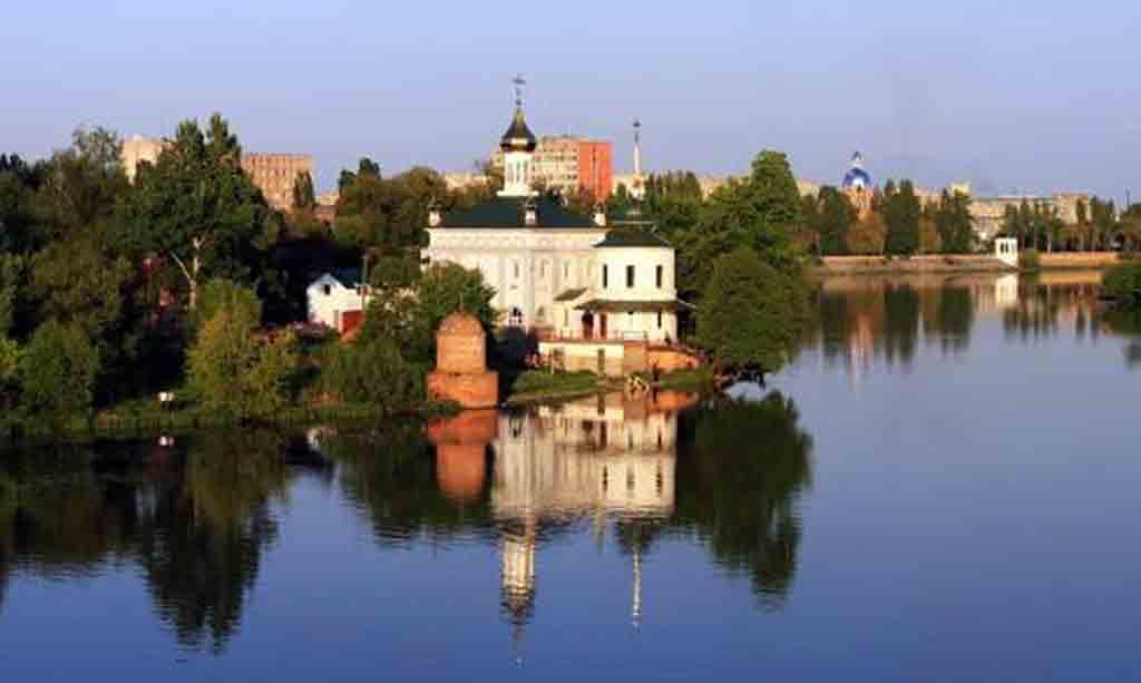 У Вінницькому яхт-клубі «Спорт» були найкращі на той час човни, в які впрягали лебедів
