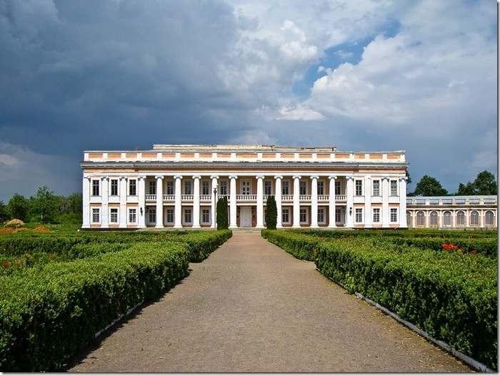 Під готель на 49 років віддають знаменитий палац Потоцьких