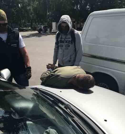 Бізнесмен із Погребищенського району продавав зброю кримінальним авторитетам