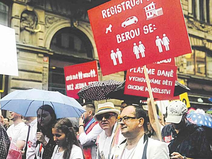 На гей-парад у Чехії приїхали й вінничани