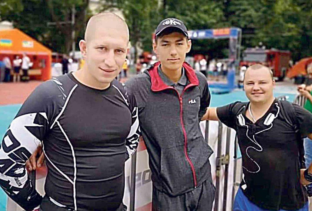 Рятувальник Андрій Ковальчук першим допоміг жінці, яка знепритомніла на дорозі