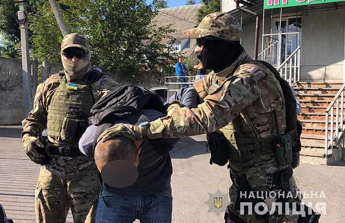 Вінничанина, котрий катував дітей і знімав порно, затримали у Вінниці