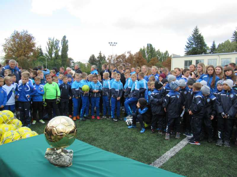 Золотий м'яч футболіст Ігор Бєланов привіз у Вінницю