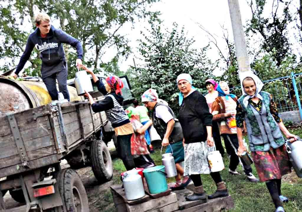 Молочний Майдан назріває на Вінниччині. Чому в деяких районах люди досі отримують 5 гривень за літр?