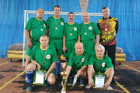 Ветерани Жмеринського району стали переможцями з футзалу